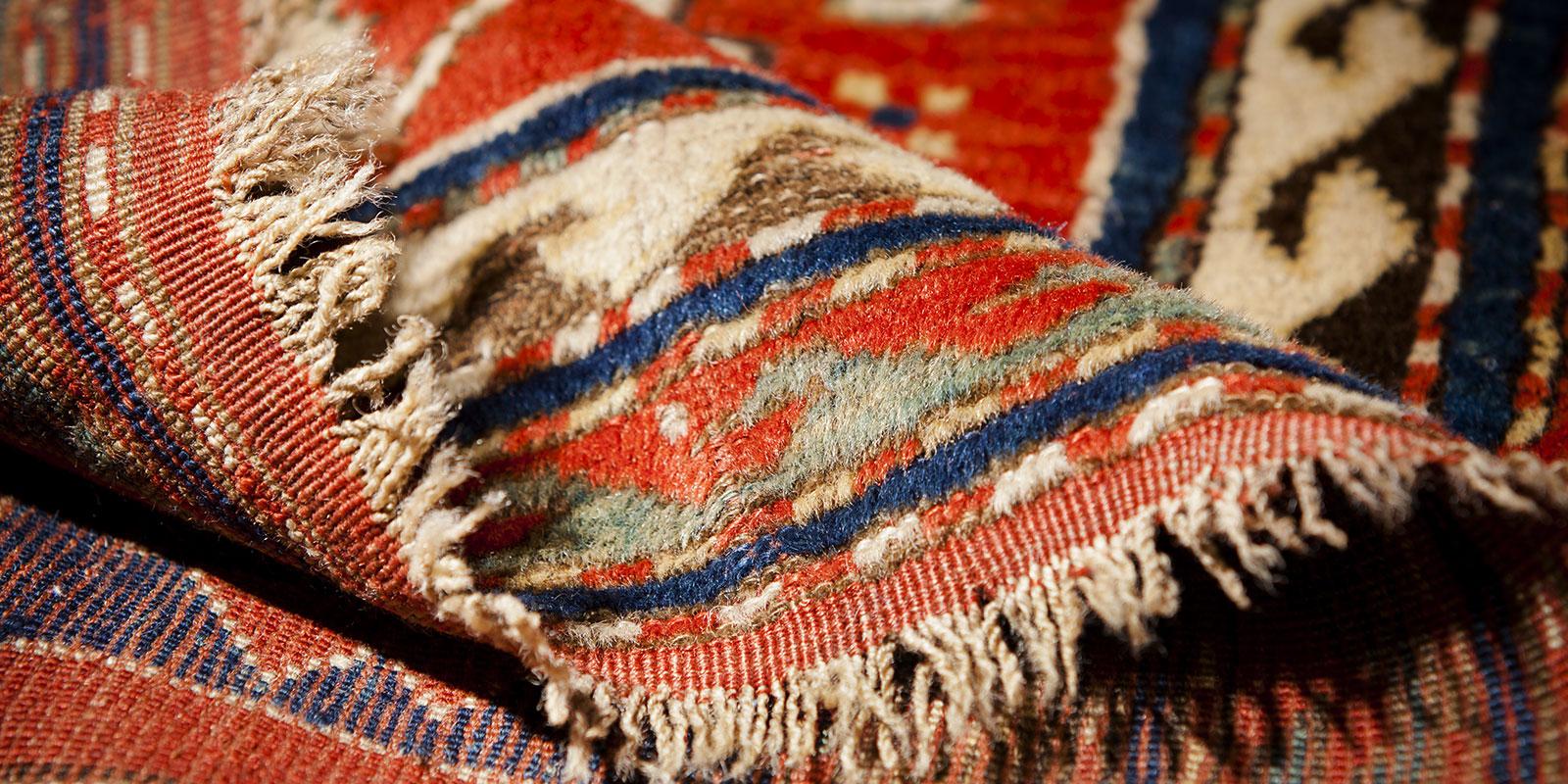 restauro tappeti caucasici